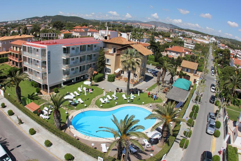 Een luchtfoto van Hotel Subur Maritim