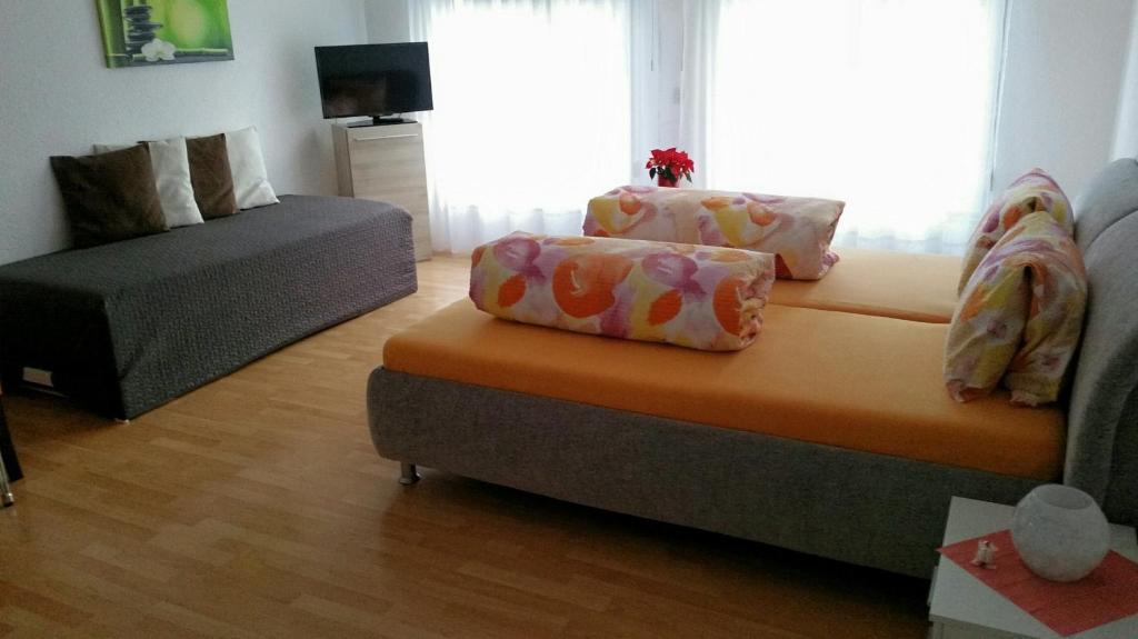 Ein Sitzbereich in der Unterkunft Ferienzimmer Arth am See
