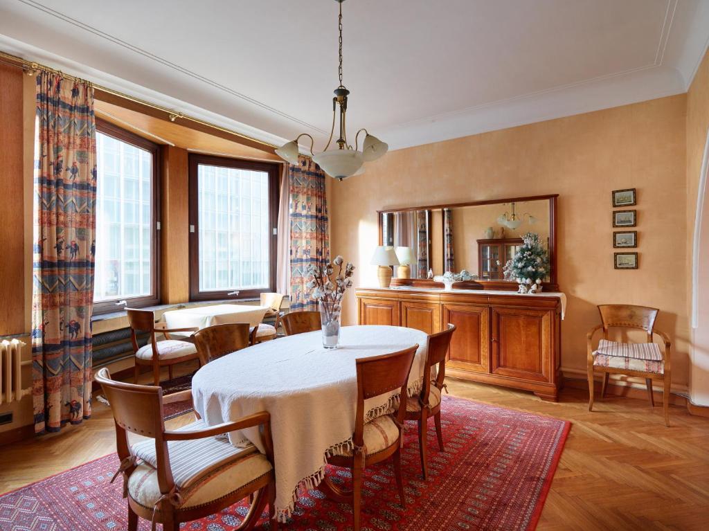 Restaurant ou autre lieu de restauration dans l'établissement Residentie Kursaal