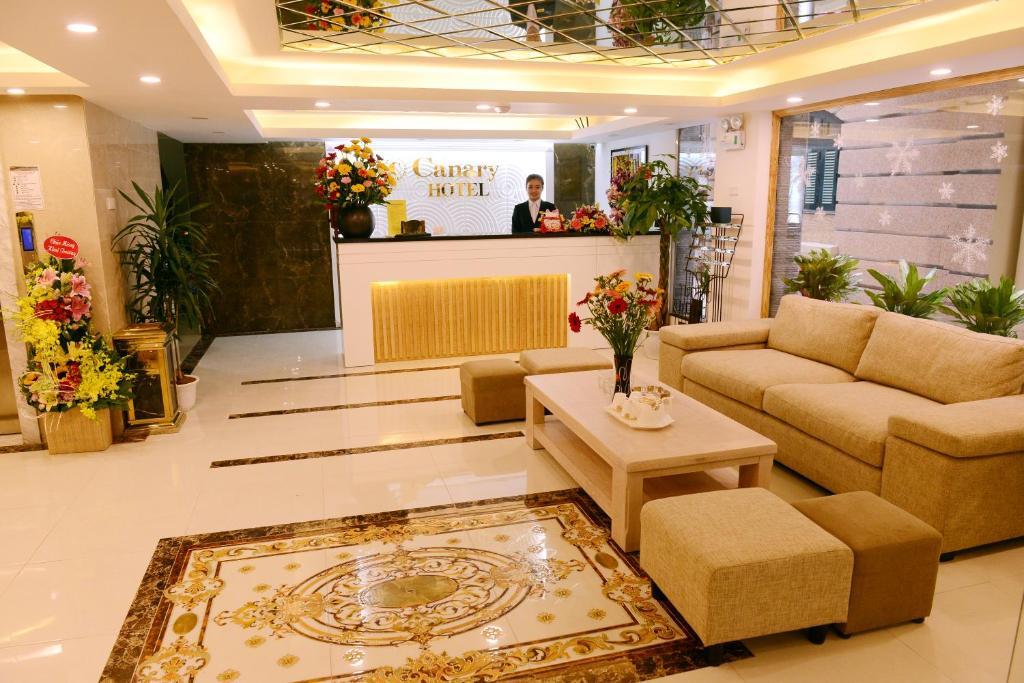 The lobby or reception area at Canary Ha Noi Hotel