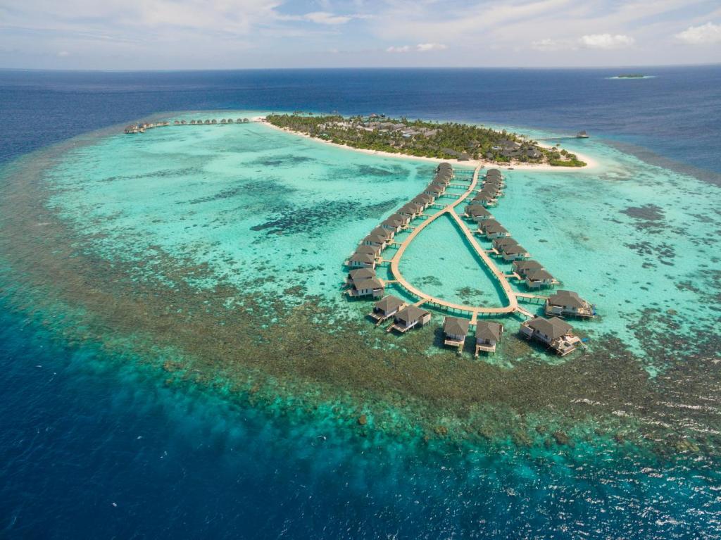 Blick auf Amari Havodda Maldives aus der Vogelperspektive
