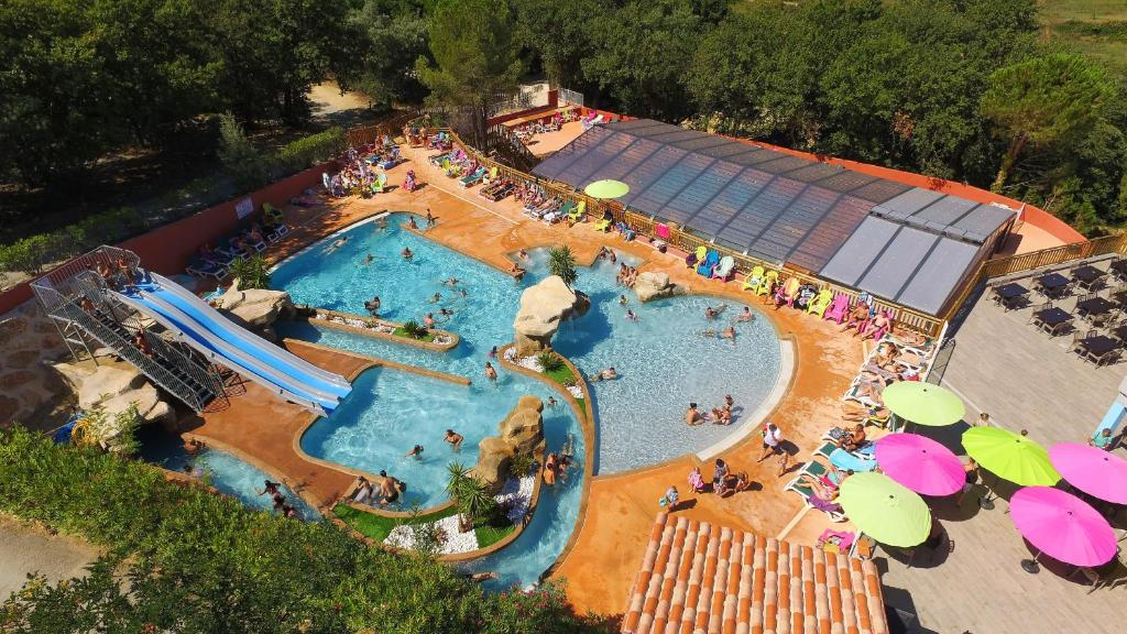 A view of the pool at Camping des Alberes or nearby