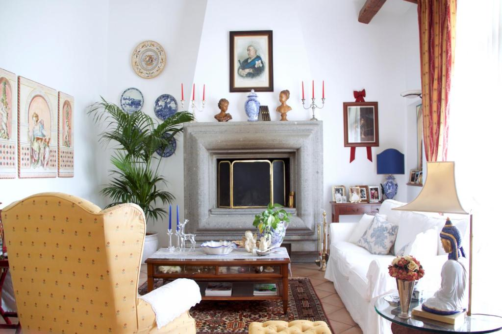 A seating area at B&B Old England