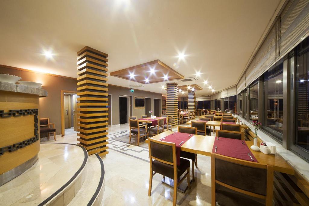 Ресторан / где поесть в Delta Hotel Istanbul