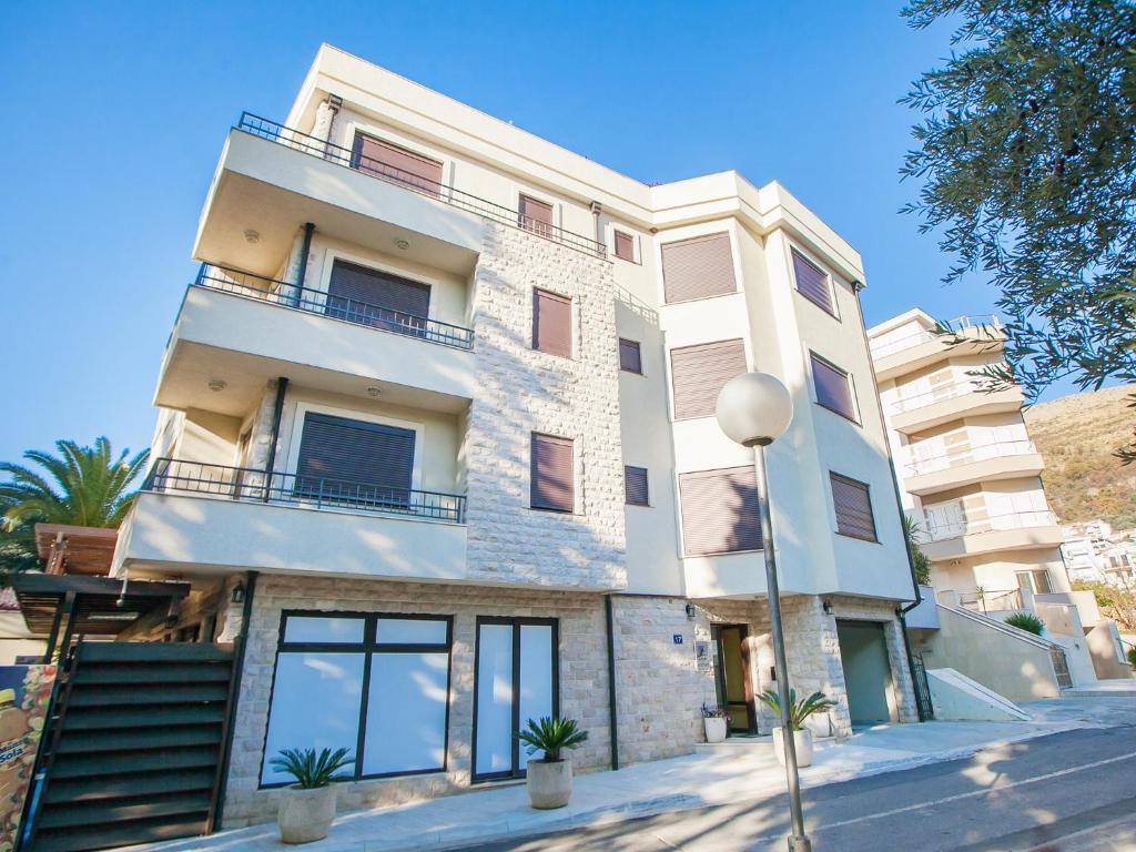 Апартаменты elite azur купить дом в эстонии недорого