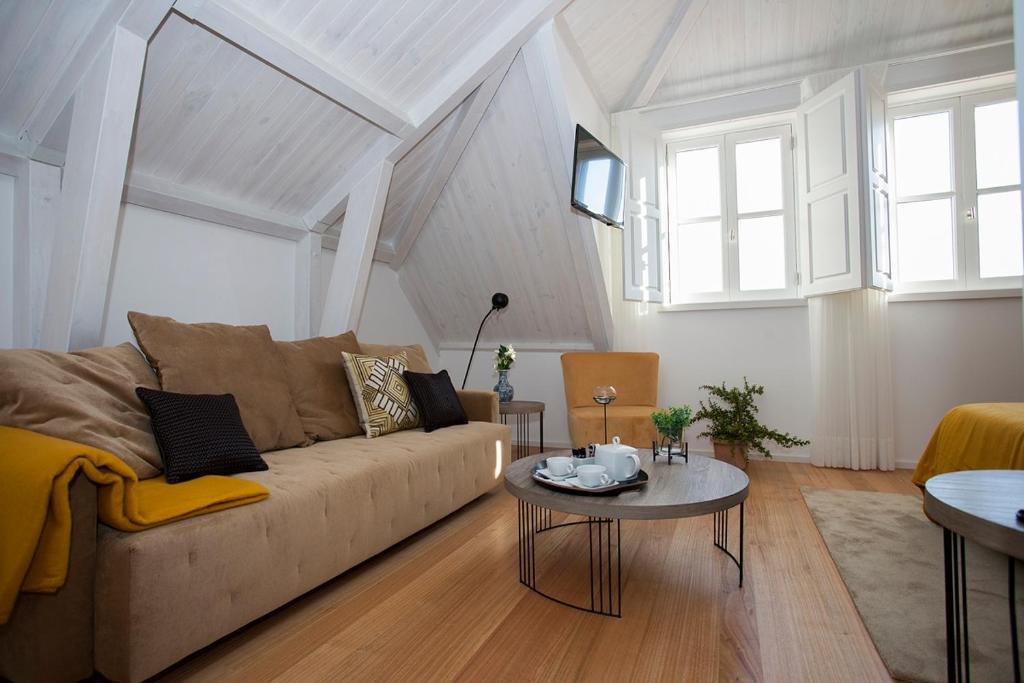 Uma área de estar em Belomont52 Guest House