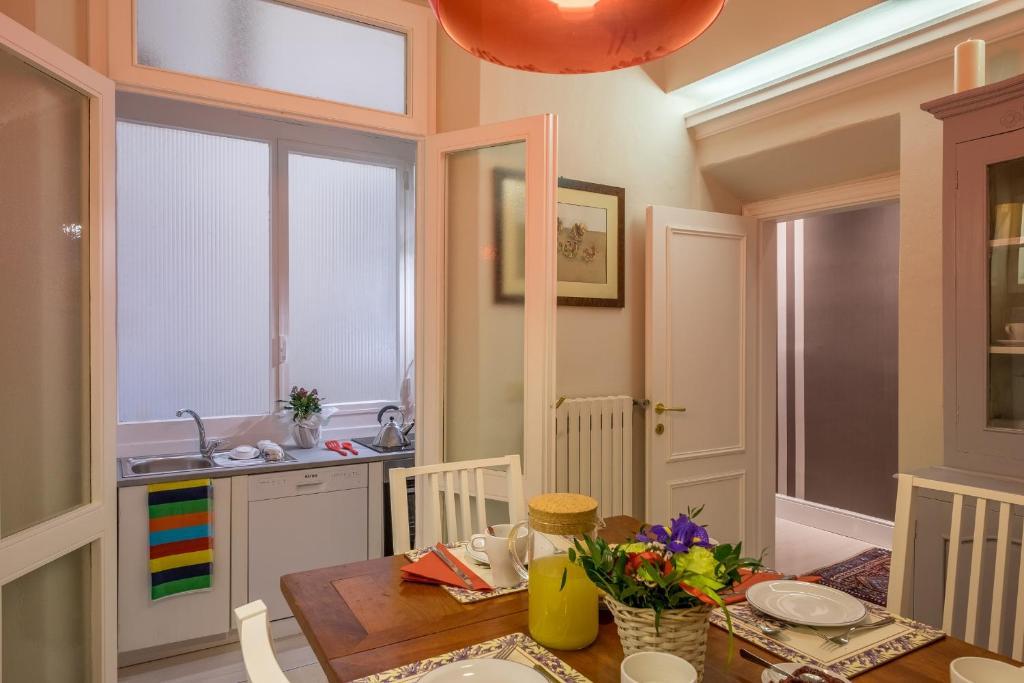 Elegant and Stylish Apartment