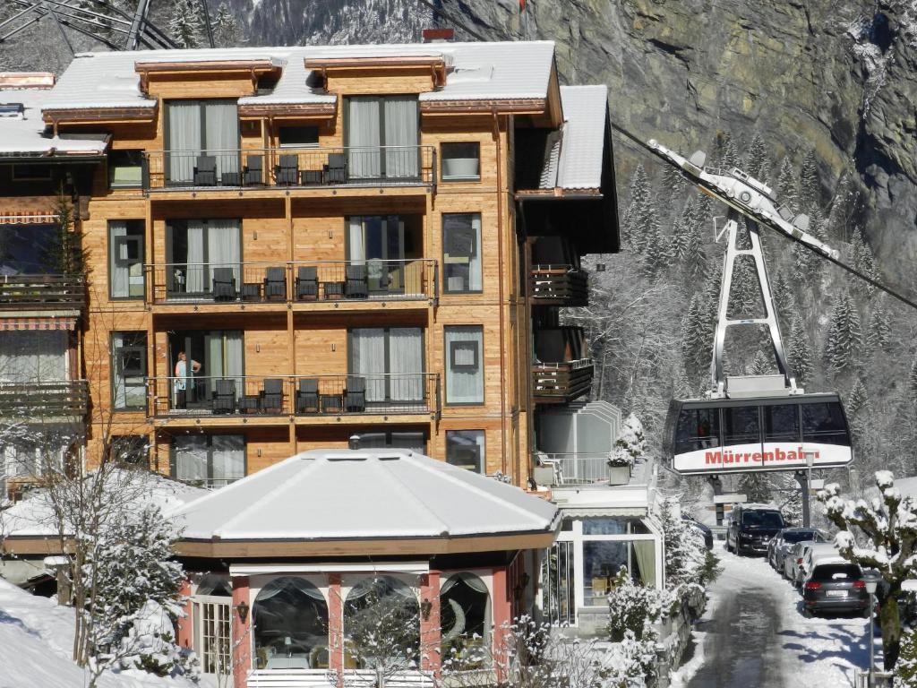 Hotel Silberhorn during the winter