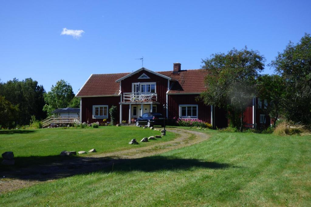 A garden outside Gruvebo Gård