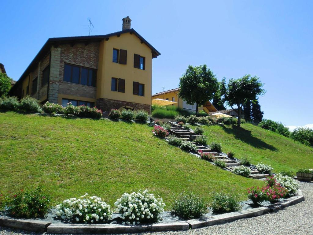 Hotels In Gabiano