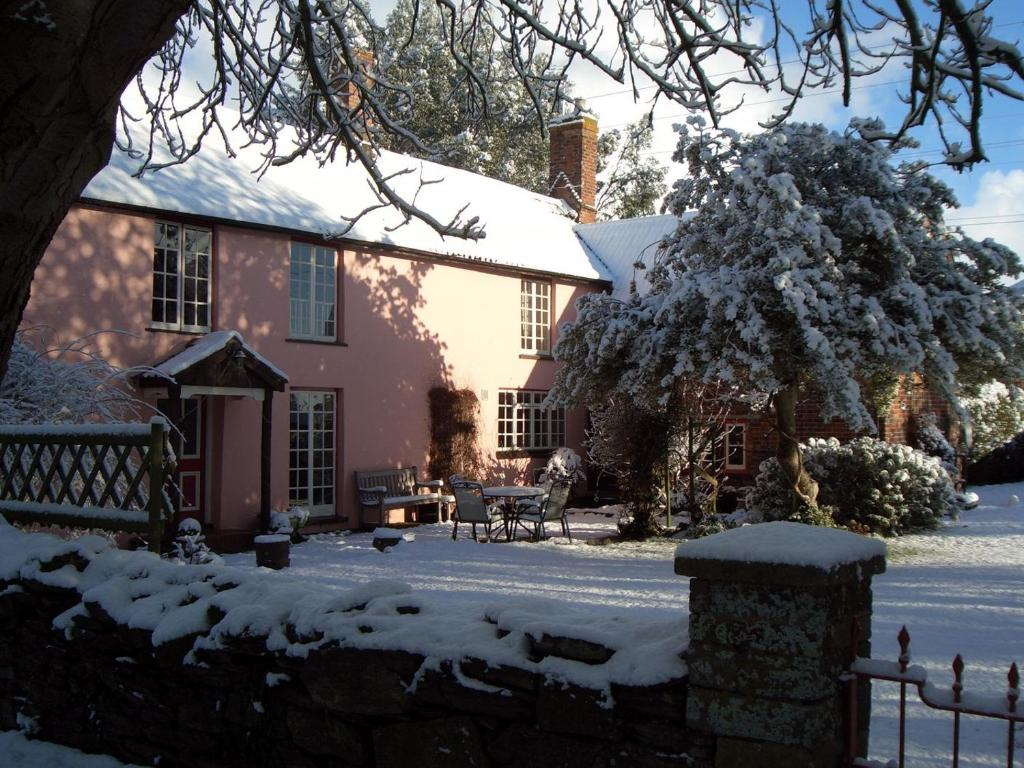 Yallands Farmhouse during the winter