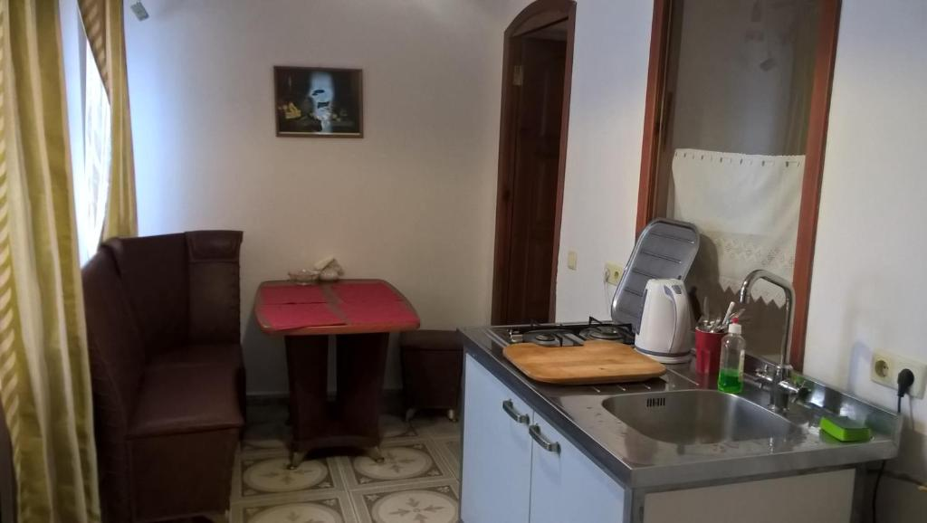 Кухня или мини-кухня в Суздаль Комфорт