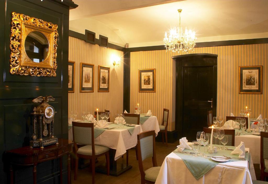 Restaurace v ubytování U Patrona Apartment