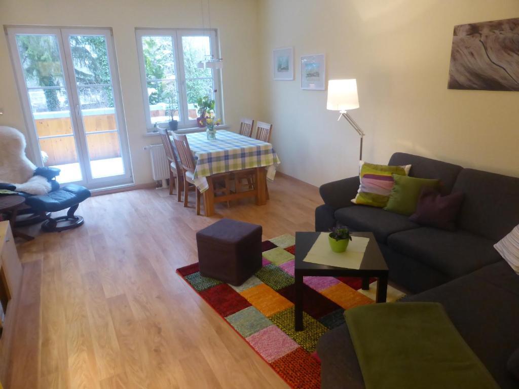 Ein Sitzbereich in der Unterkunft Haus am Fluss