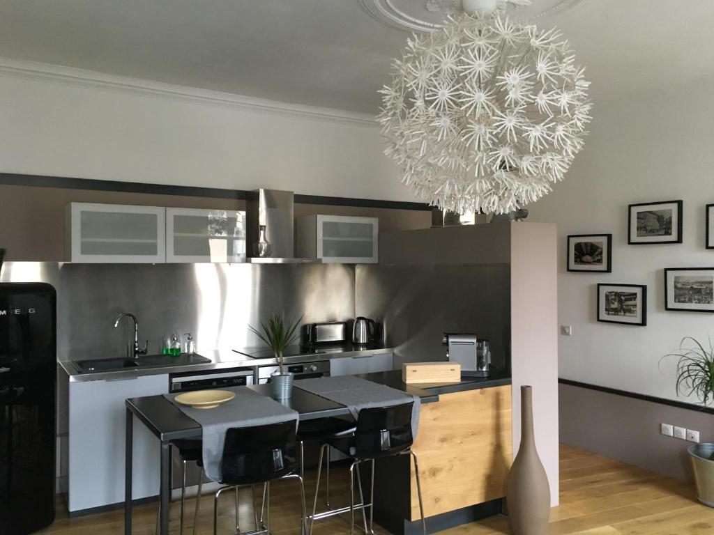 A kitchen or kitchenette at Wine Home
