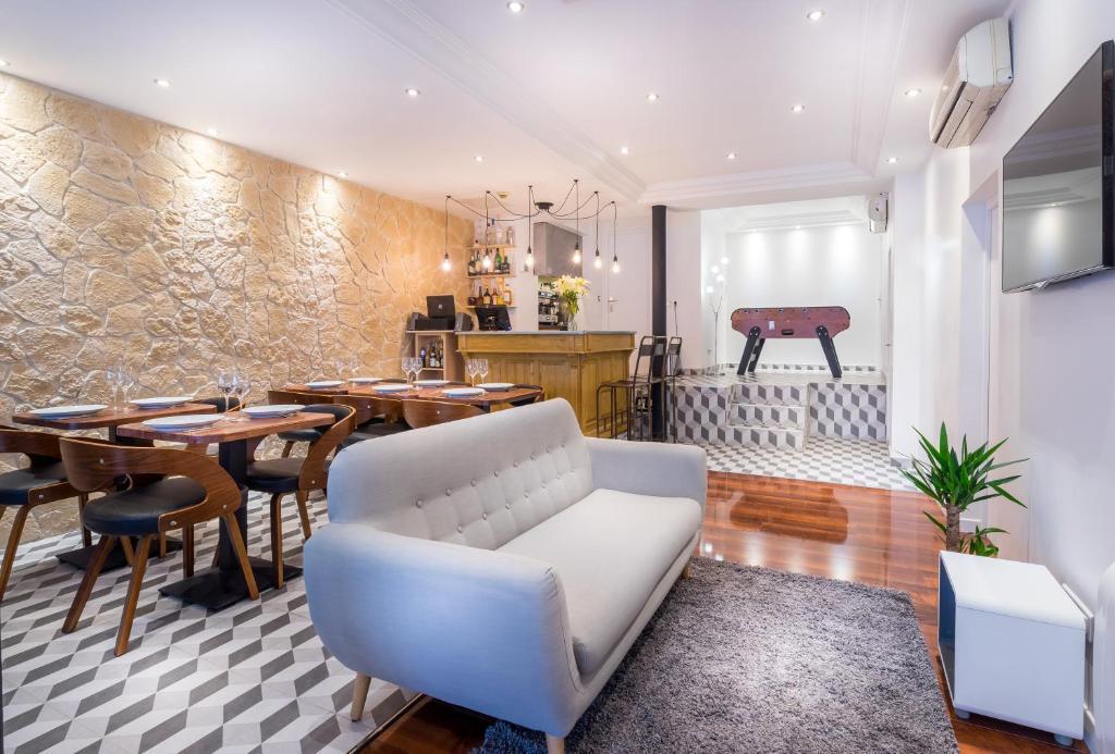 Un restaurante o sitio para comer en Hotel Trema