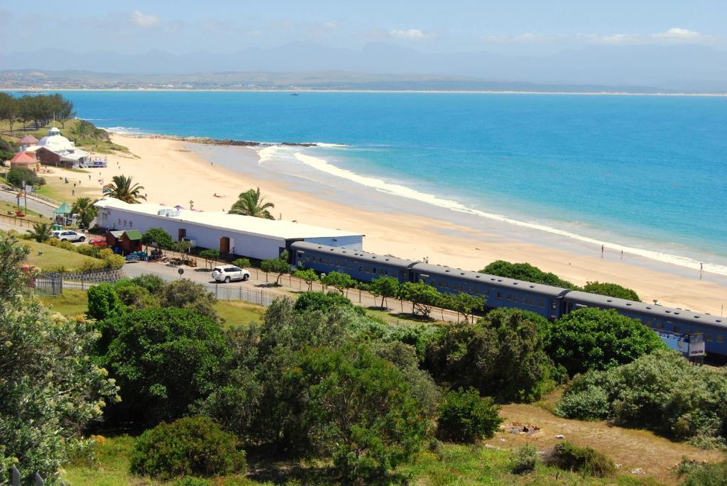 A bird's-eye view of Santos Express