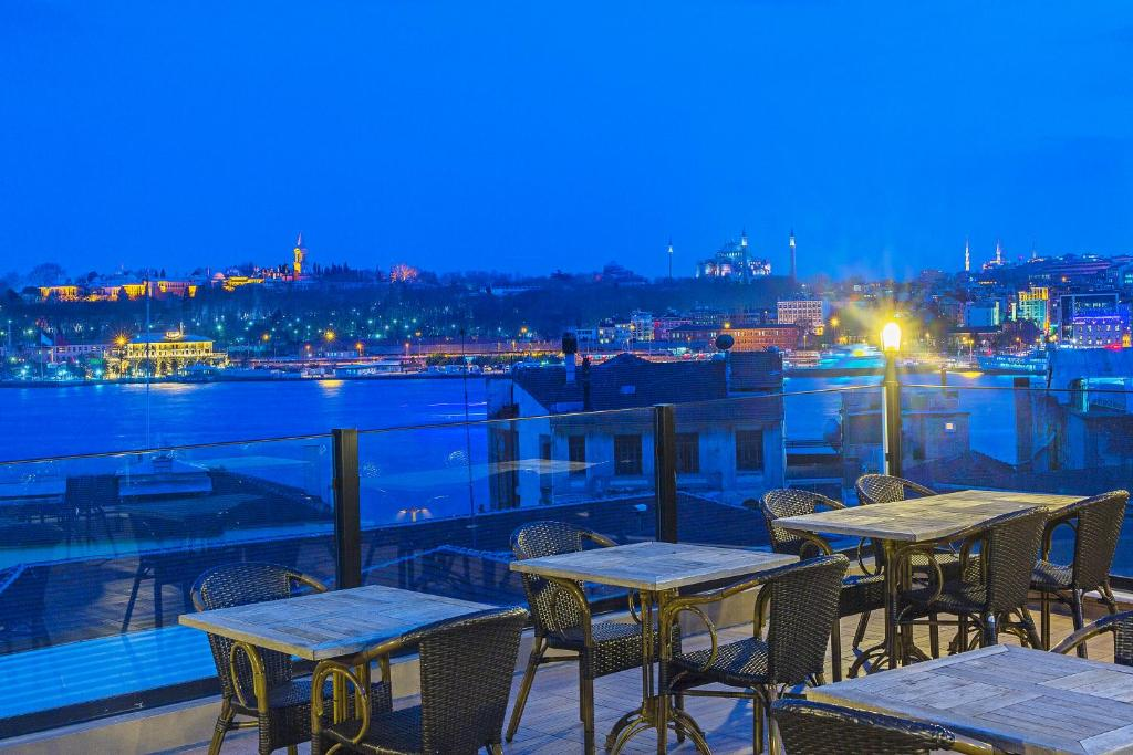 A restaurant or other place to eat at Ada Karakoy Hotel - Special Category