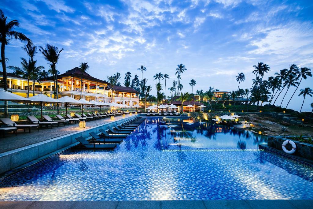 Басейн в Anantara Peace Haven Tangalle Resort або поблизу