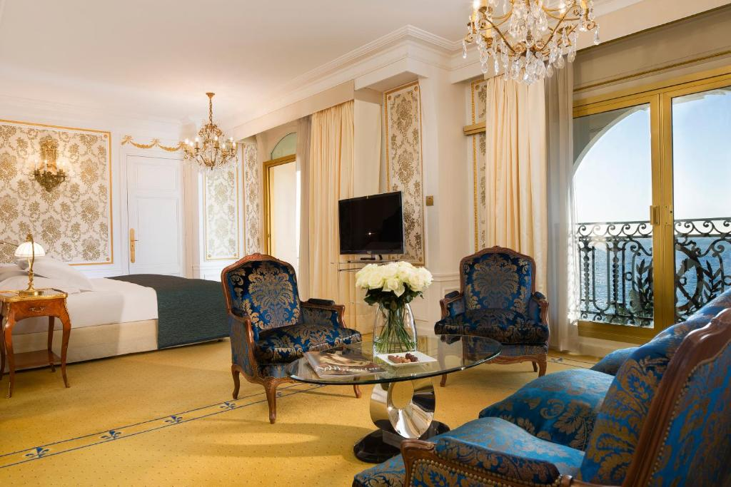 A seating area at Hotel Negresco