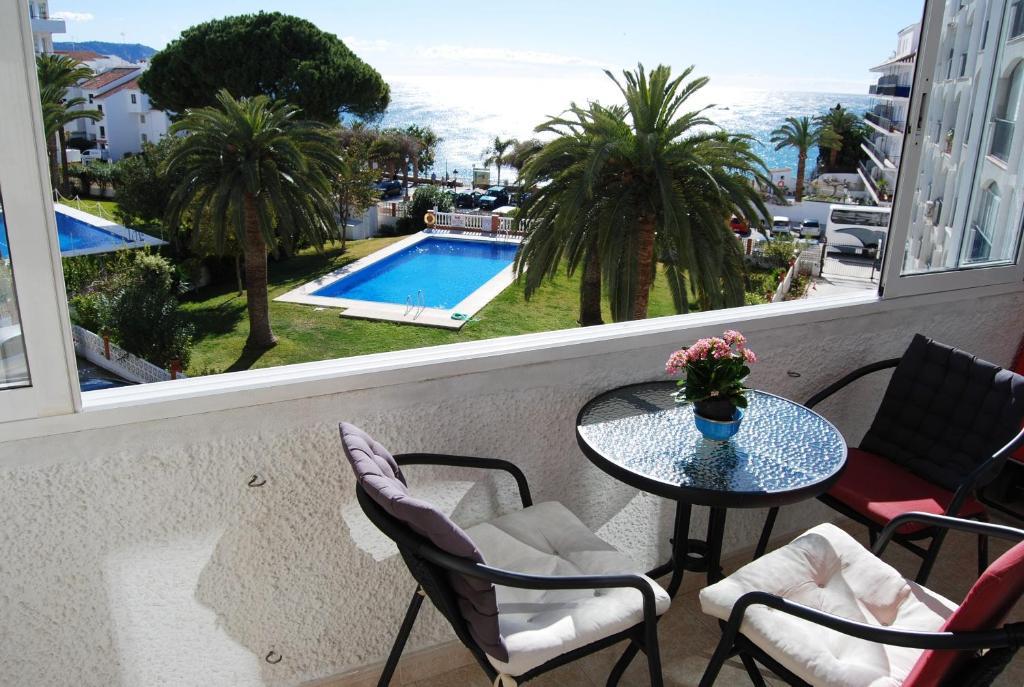 Vista de la piscina de Carabeo 26 Studios Casasol o alrededores