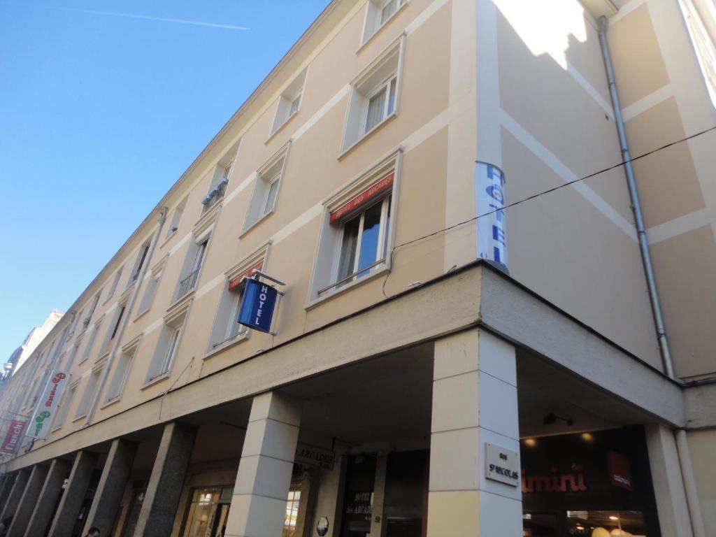Hotel Les Arcades Rouen, France