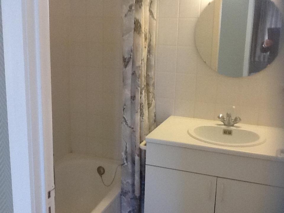 A bathroom at Morgenzon Apartment