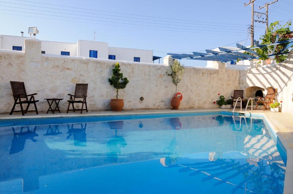 Piscine de l'établissement Hotel Aegeon ou située à proximité