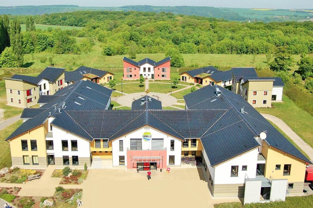 Blick auf Euroville Jugend- und Sporthotel aus der Vogelperspektive