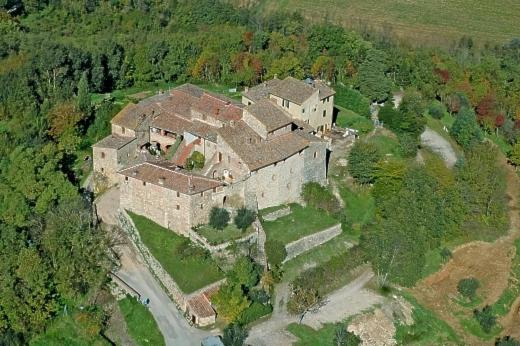 A bird's-eye view of Castello di Monteliscai