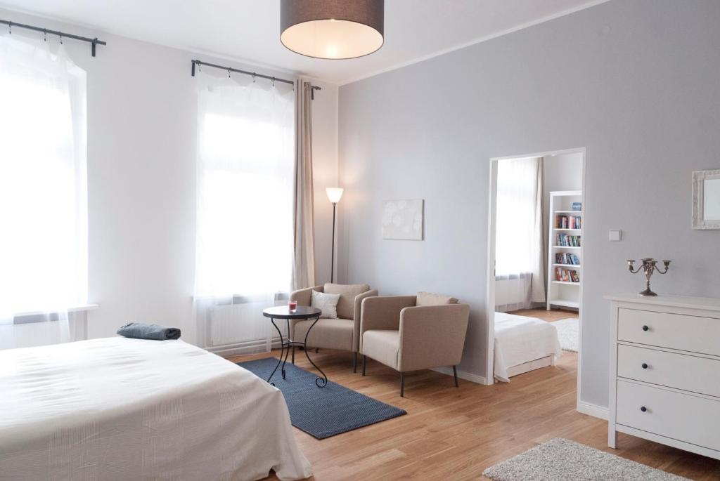 A seating area at Family Apartments Mitte