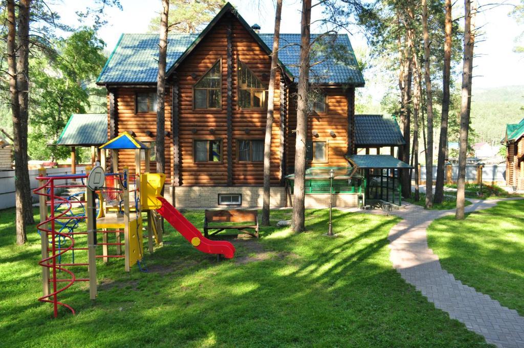 Children's play area at Usadba Kruglovyh