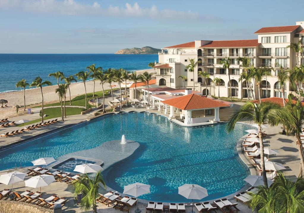 Бассейн в Dreams Los Cabos Suites Golf Resort & Spa или поблизости