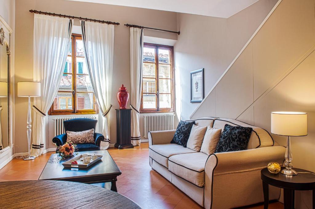 Zona de estar de Velluti Maggio Suite