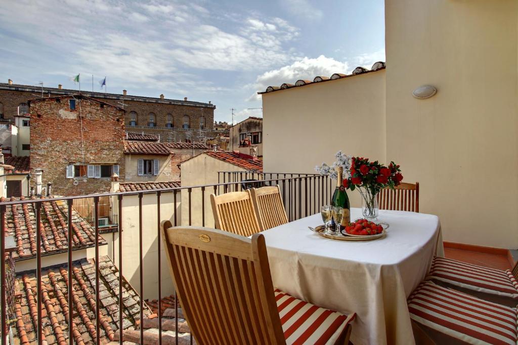 Un balcón o terraza de Orlando Palace Apartments
