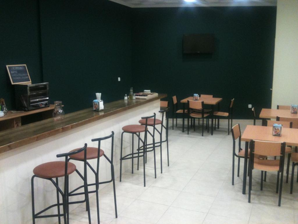 A restaurant or other place to eat at Hotel RC Ramon y Cajal