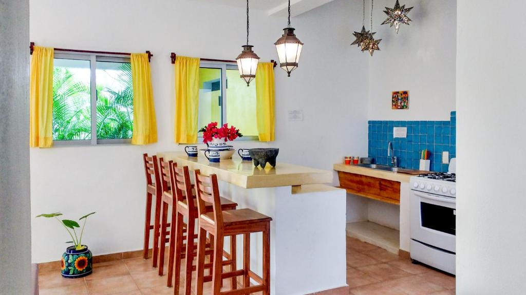 A kitchen or kitchenette at Casa Chachalaca