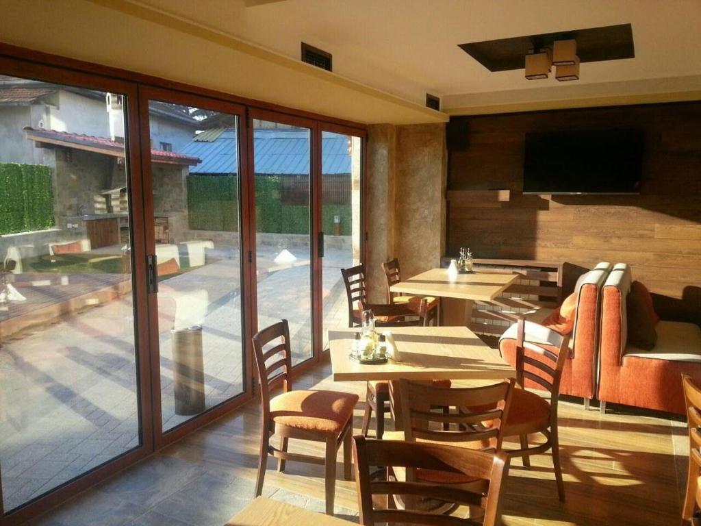 Ресторант или друго място за хранене в Минерал 56