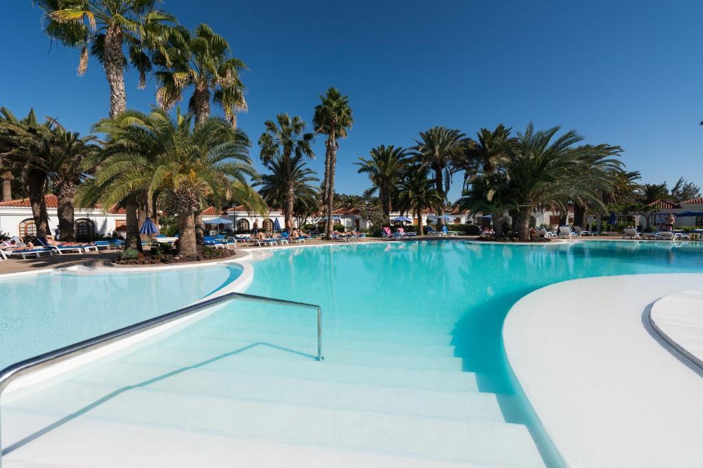 Het zwembad bij of vlak bij eó Suite Hotel Jardin Dorado