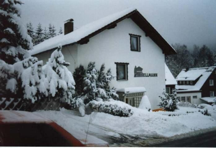Ferienwohnungen Hellmann during the winter