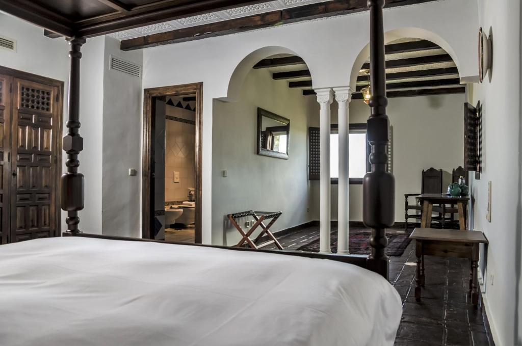 Hotel Castillo de Monda 5