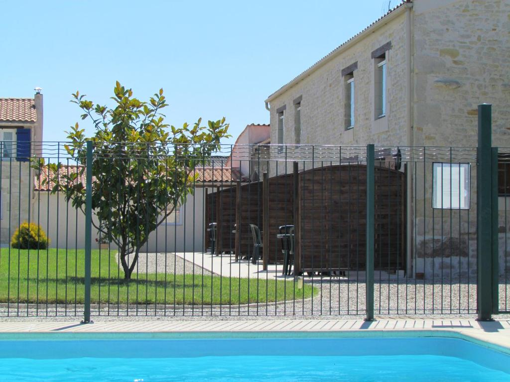 The swimming pool at or near Apartment La Rochelle