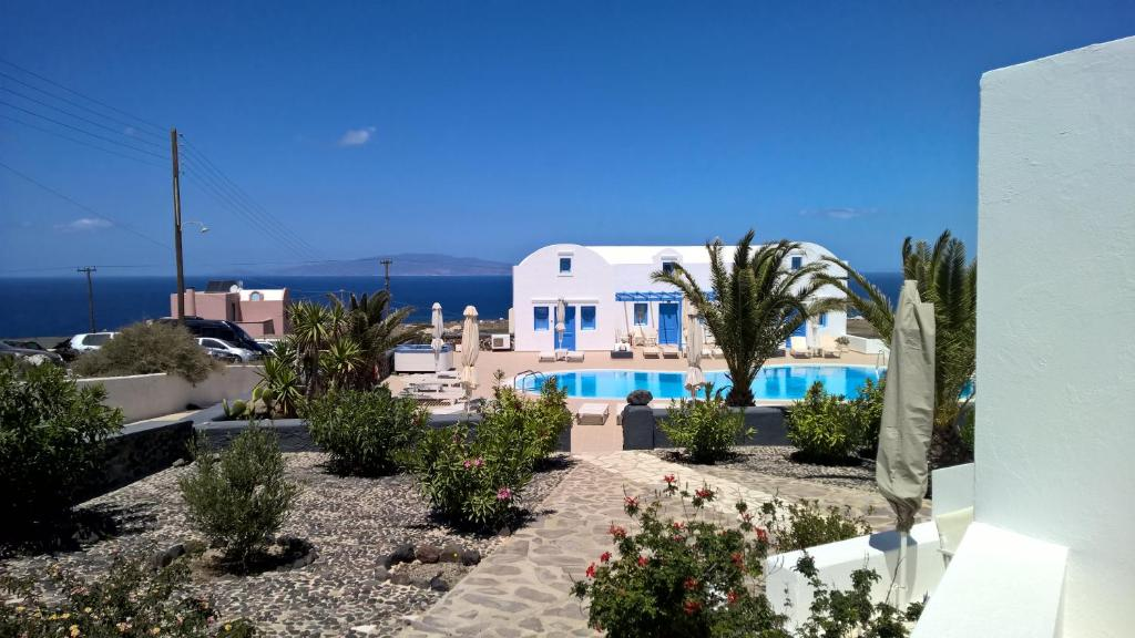 A view of the pool at Laokasti Villas or nearby
