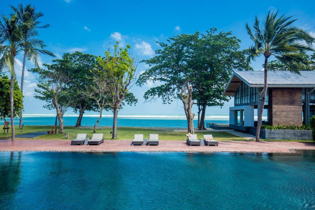 Piscine de l'établissement X2 Koh Samui - A Spa Retreat ou située à proximité