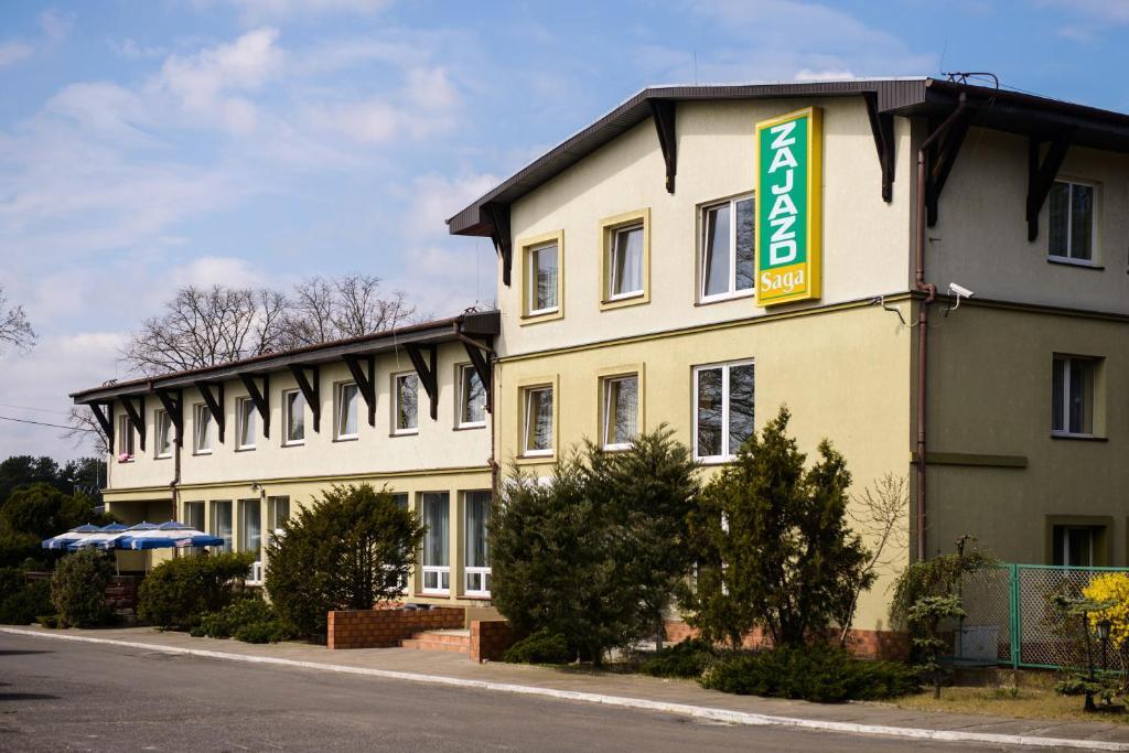 Budynek, w którym mieści się zajazd