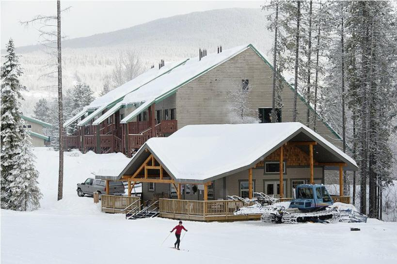 Innwest Kirkwood Inn during the winter
