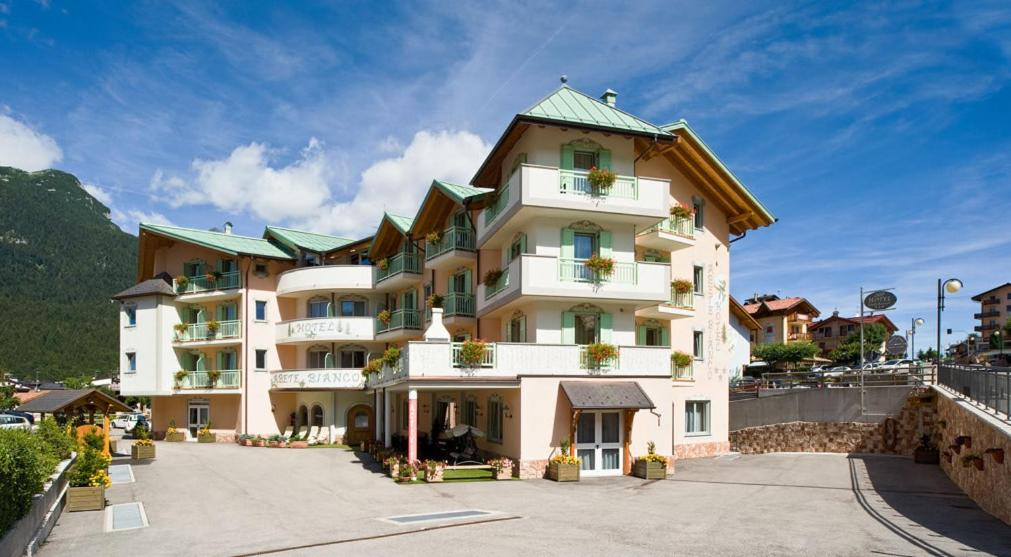 Hotel Abete Bianco Andalo, Italy