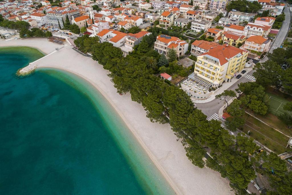 Letecký snímek ubytování Hotel Bacchus