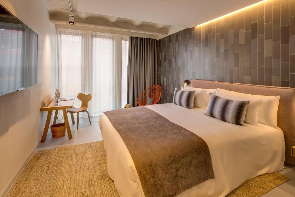 boutique hotels barcelona  108