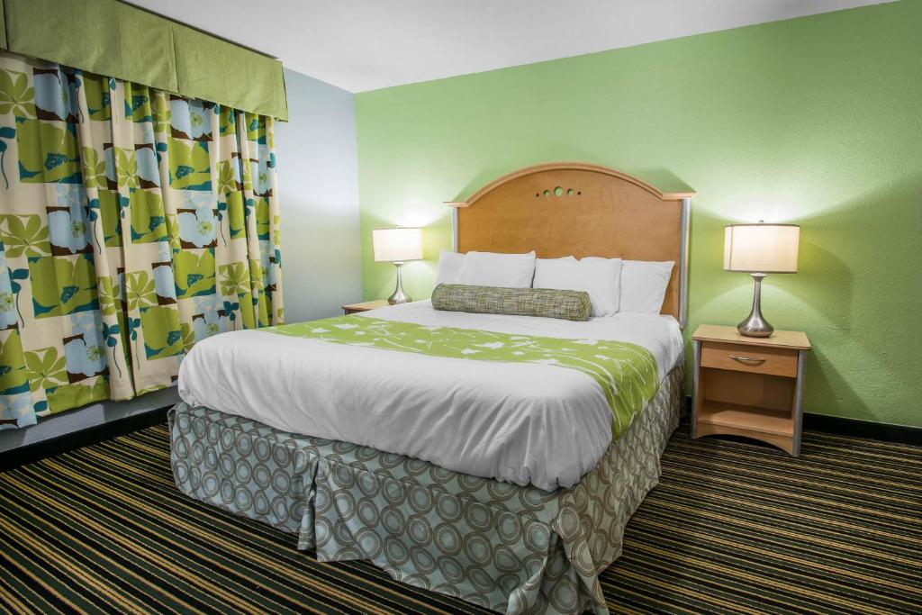 Rodeway Inn & Suites Winter Haven Chain of Lakes